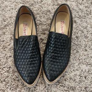 2 Lips Too platform sneakers sz 7.5